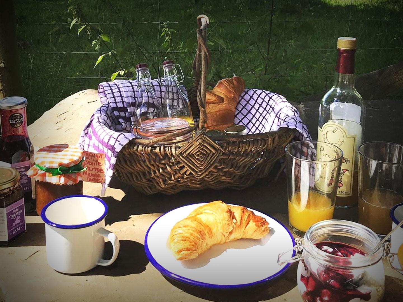 Ty Gwyn breakfast basket